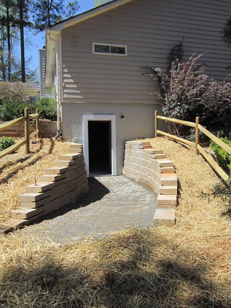 Get your retaining wall built before the spring rains set in and ruin your property with ContractorMen.